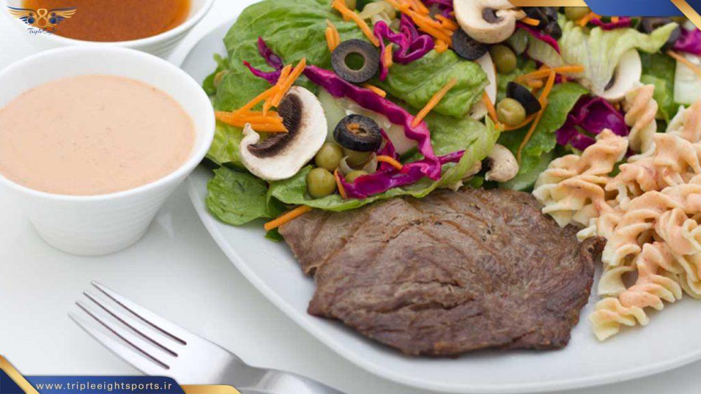 در صورتی که در رژیم غذایی زون 5 وعده در روز غذا میل میشود و فرد مجبور نیست هیچ احساس گرسنگی را تحمل کند . و از تمام مواد غذایی مثل کربوهیدرات ها پروتئین ها و چربی ها میل میکند .